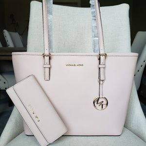 Michael Kors Carryall tote And Wallet set ballet